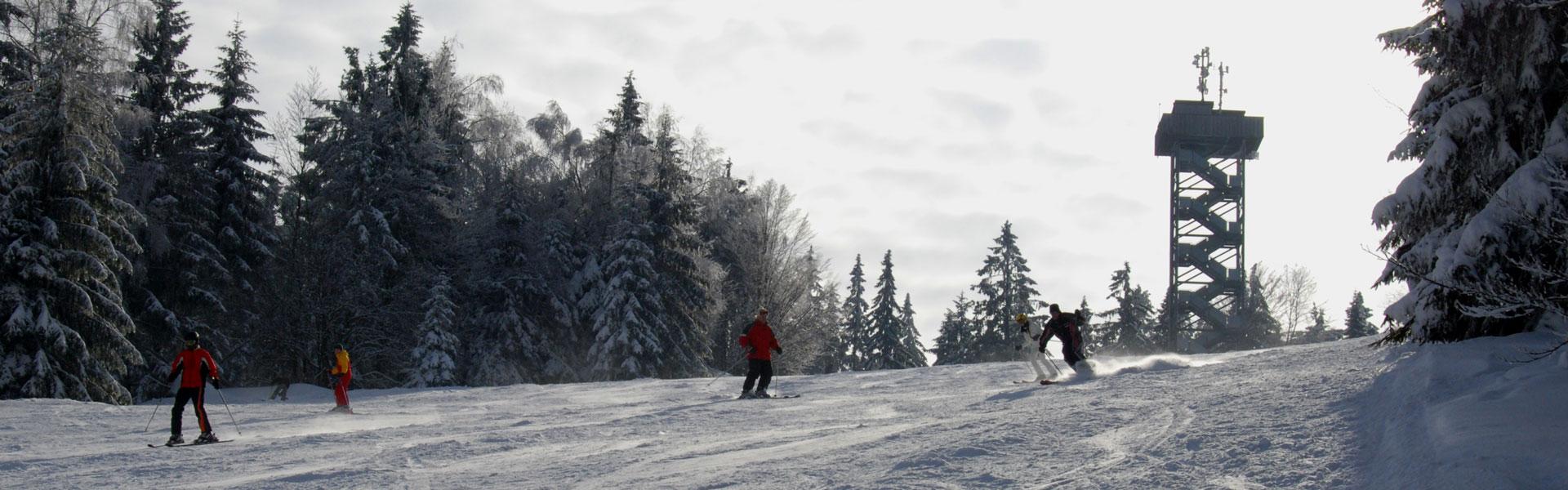 Ski und Snowboard – Spaß total im Skigebiet Oberfrauenwald